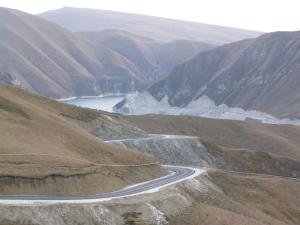 Горная дорога на озеро Казеной-Ам...